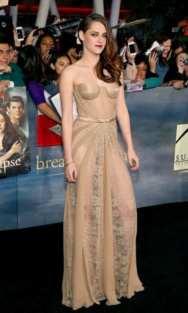kristen_stewart_in_beautifull_dress